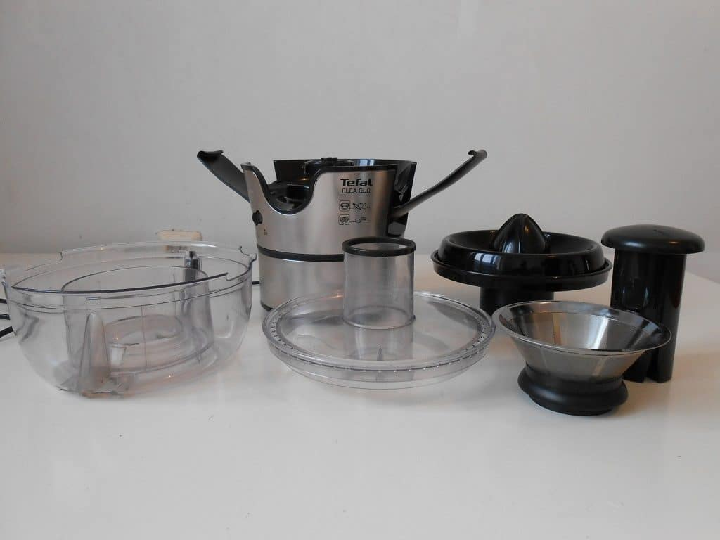 Ease of cleaning centryfugal juicer