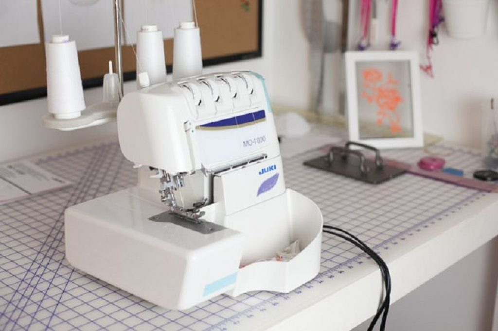 5 Best Coverstitch Machines (Sept  2019) – Reviews & Buying