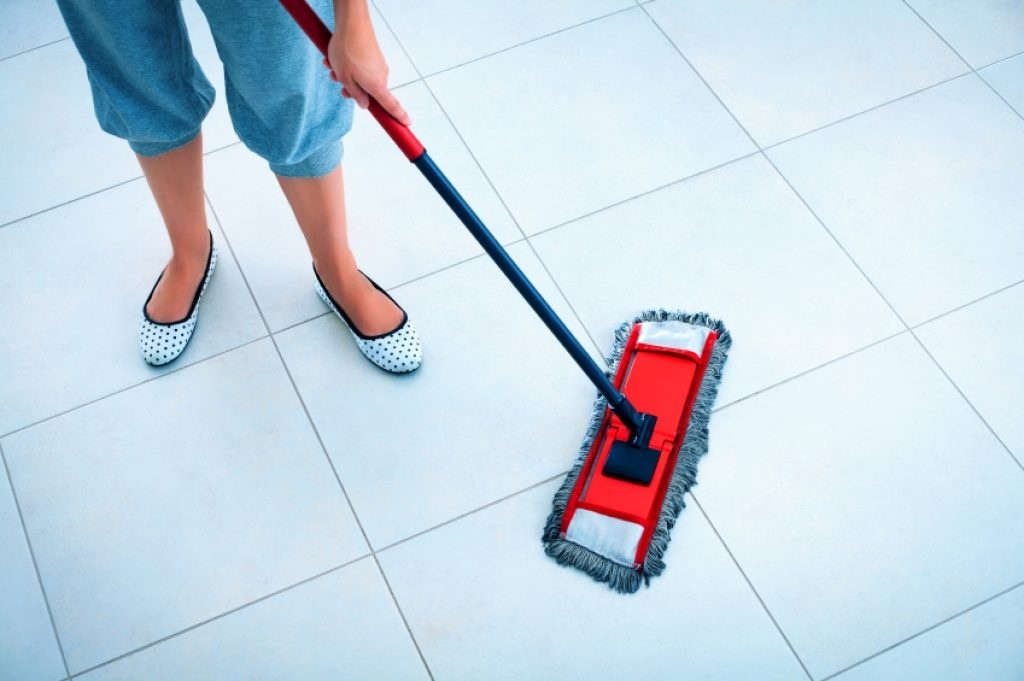 cleaning-tile-floors_1
