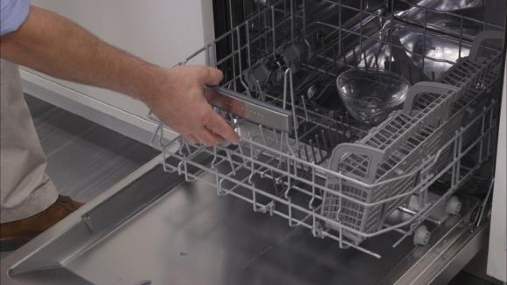Top 5 Integrated Dishwashers – Reviews and Buying Guide