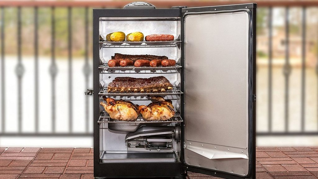 put-your-meat-on-autopilot-with-this-114-masterbuilt-electric-smoker