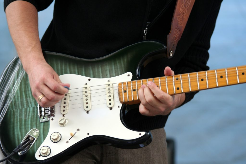 10 Incredibly Affordable Electric Guitars Under $1000 - It's Time to Strike A Chord