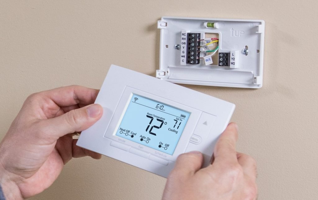 Best Z Wave Thermostat02 1024x647 image
