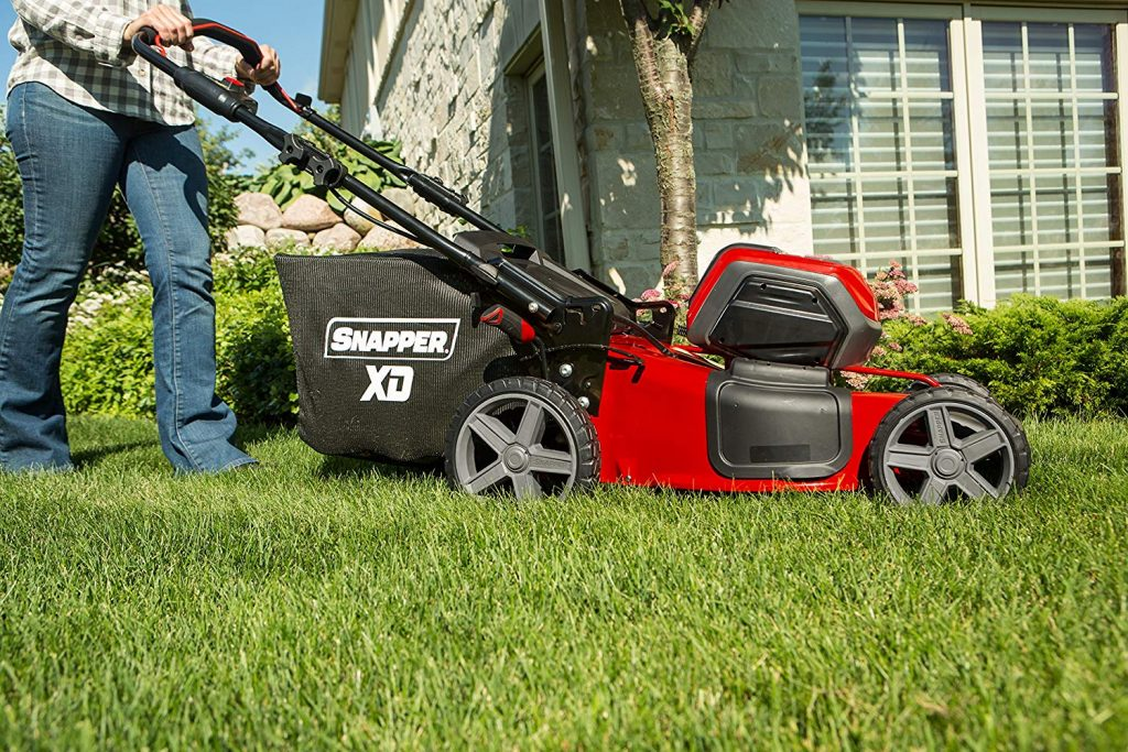 7 Most Convenient Cordless Lawn Mowers — Reviews and Buying Guide