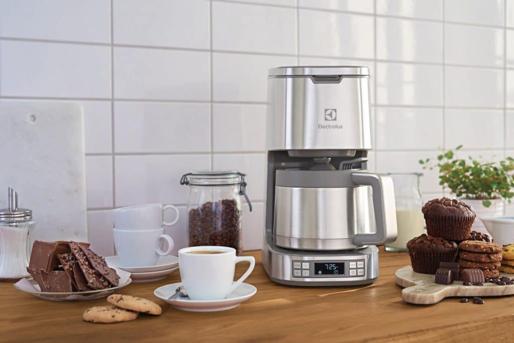 7 Best Thermal Coffee Makers — Enjoy Your Hot Fresh Coffee All Morning Long!