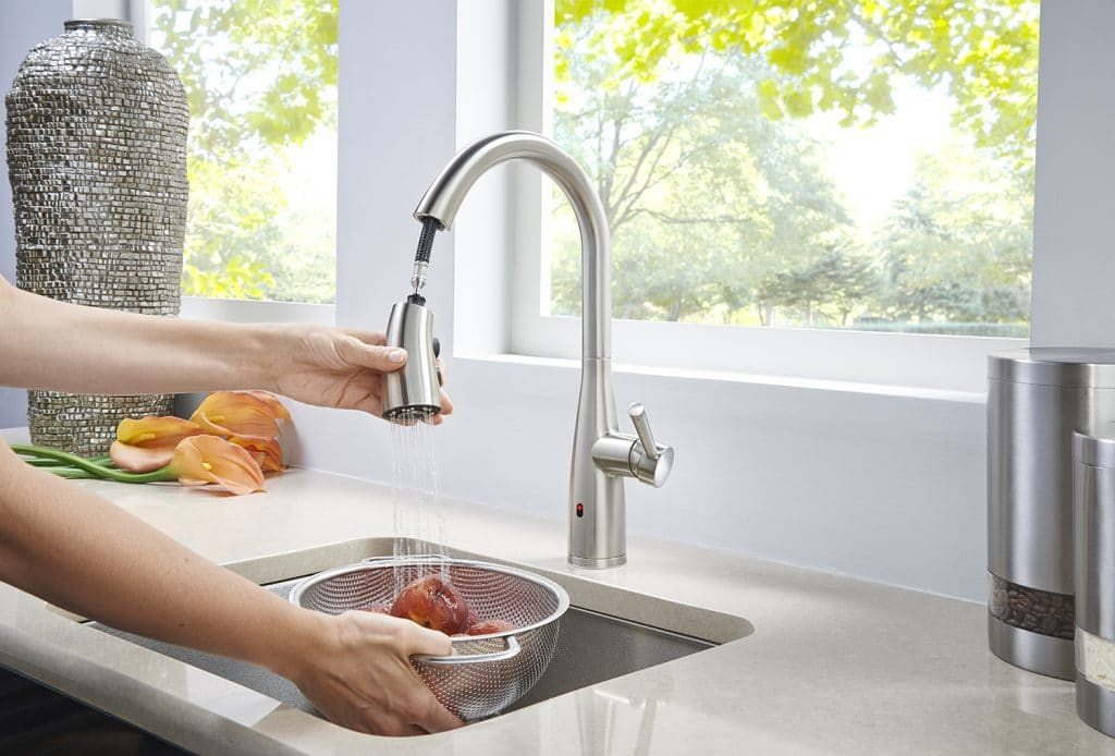 8 Convenient Touchless Kitchen Faucets to Upgrade Your Cooking Space