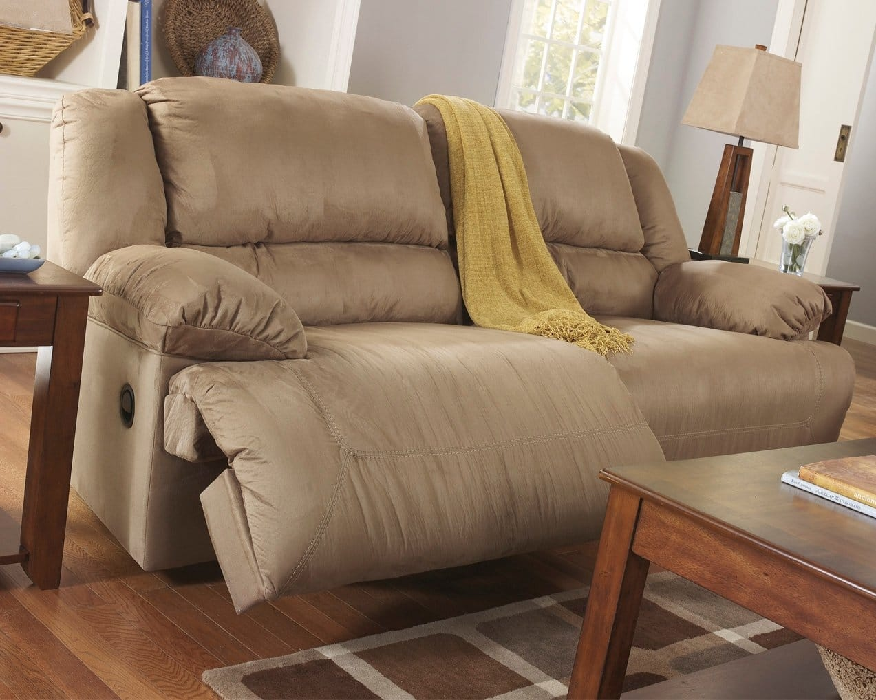 5 Best Reclining Sofas May 2020