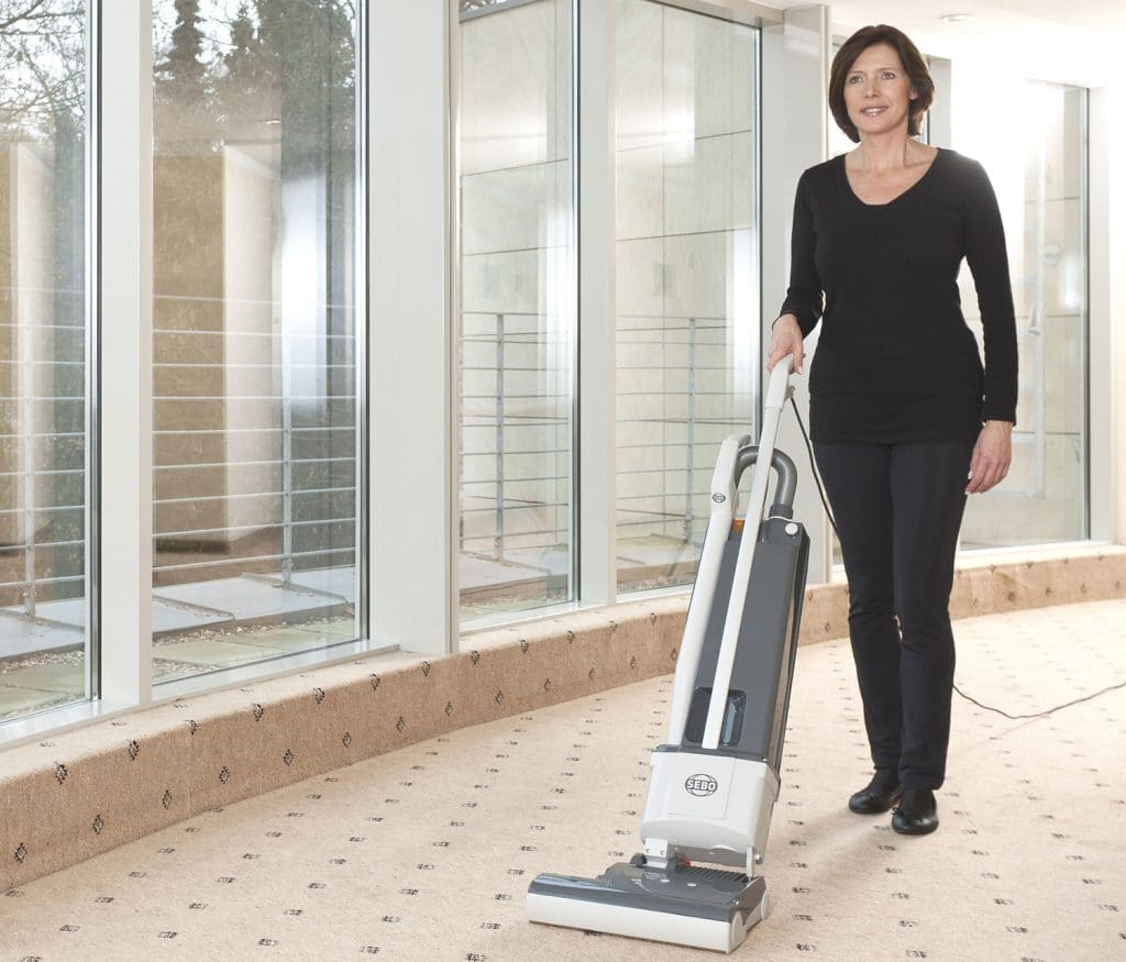 5 Outstanding Commercial Vacuums – Reviews and Buying Guide