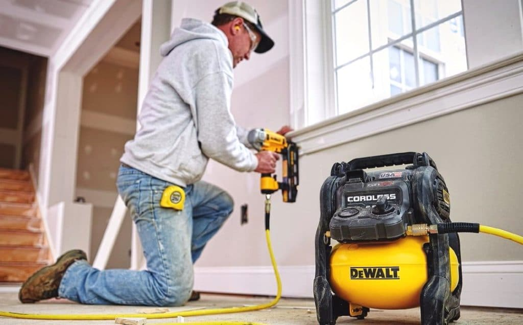 10 Best Portable Air Compressors to Take with You – Reviews and Buying Guide