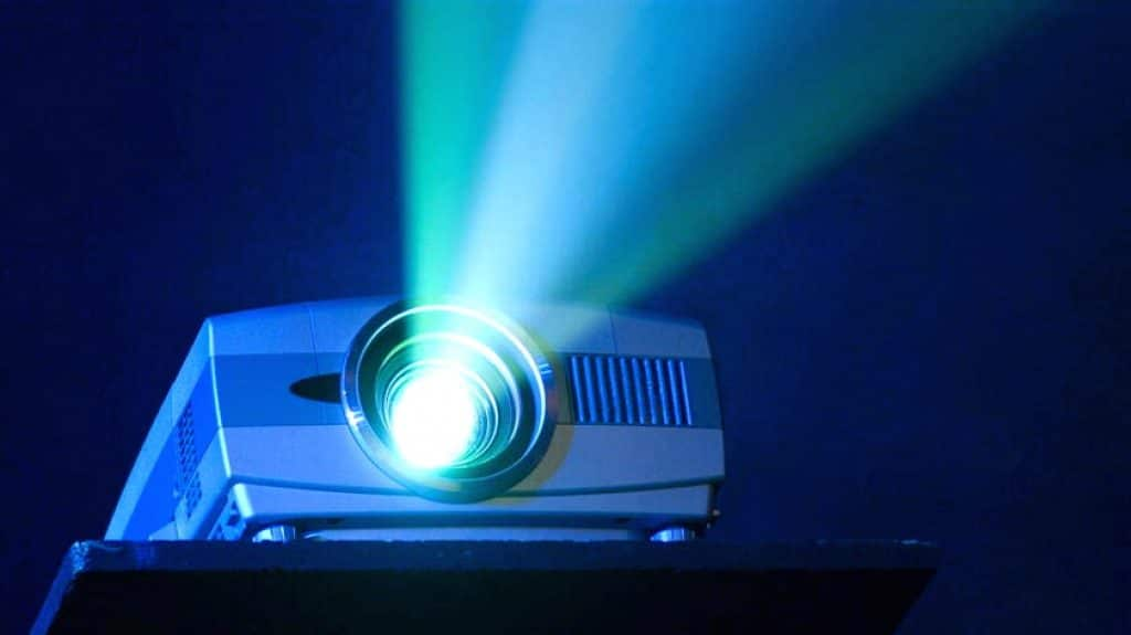 10 Best Projectors under $200 – High Quality at an Affordable Price