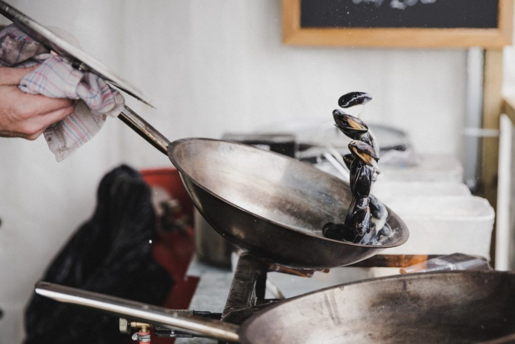 Top 5 Carbon Steel Woks to Cook on the Best Equipment Like a Chief