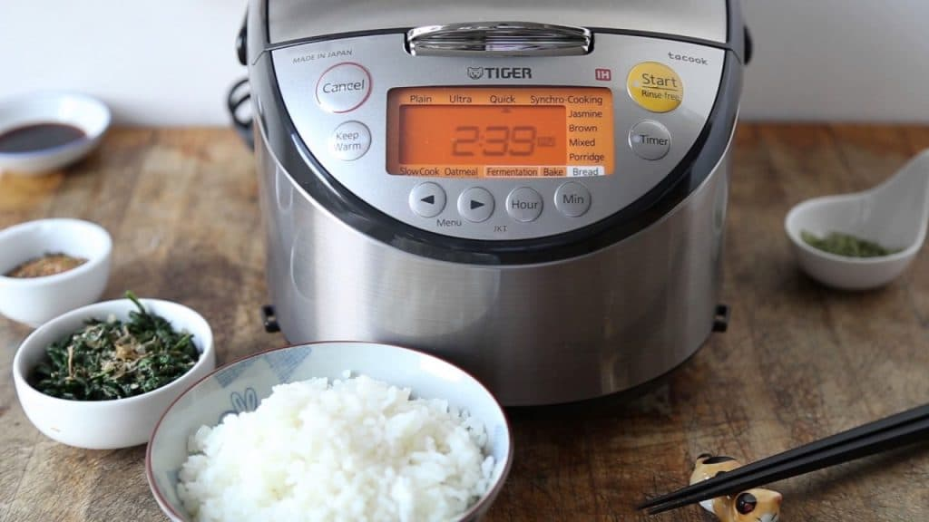 6 Best Japanese Rice Cookers - High Reliability and Excellent Cooking Performance!