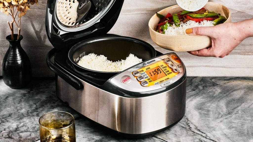 7 Fantastic Stainless Steel Rice Cookers - Making Healty Food Full of Vitamins!