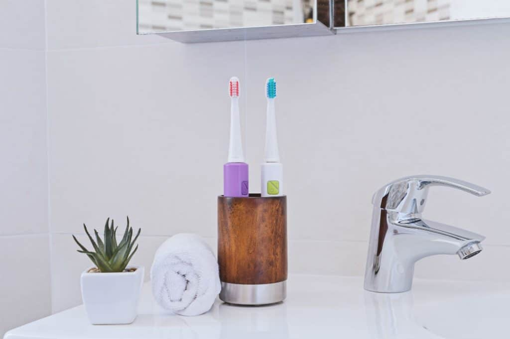 8 Best Battery-Operated Toothbrushes - Proper Oral Care!
