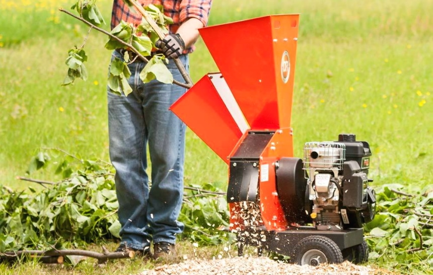 8 Crushiest Chipper Shredders To Clean Up The Territory
