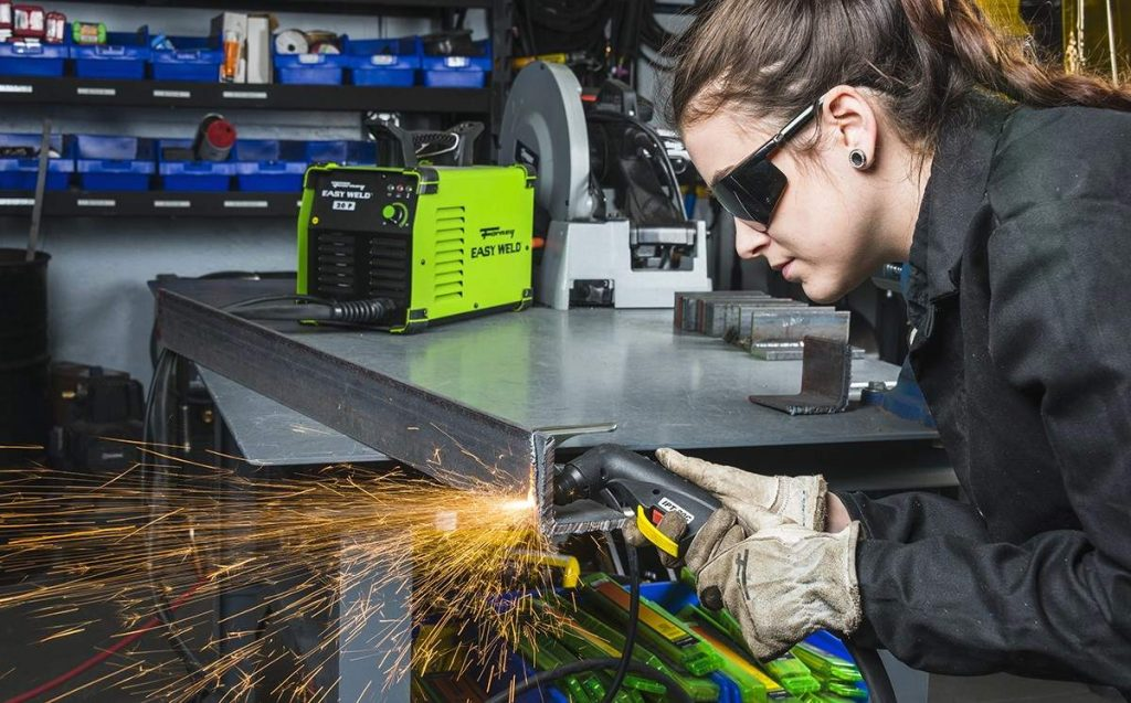 8 Best Plasma Cutters under $500 - Easy to Use and Versatile!