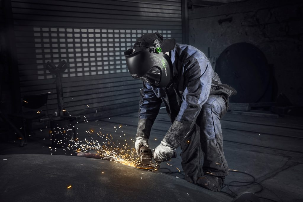 8 Most Remarkable Welding Helmets — Don't Compromise on Safety!