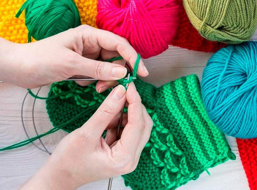 10 Best Knitting Needle Sets - Fantastic Tools to Create and Relax!