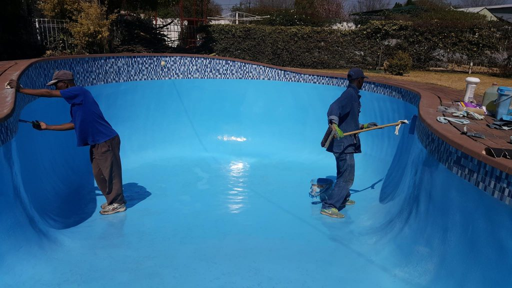 5 Best Pool Paints - Made To Last for Years!