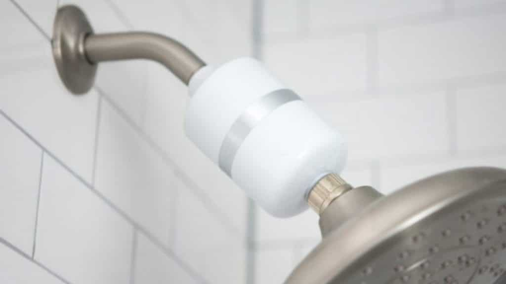 10 Best Shower Filters for Hard Water – Forget about Dry Skin and Chlorine Smell!