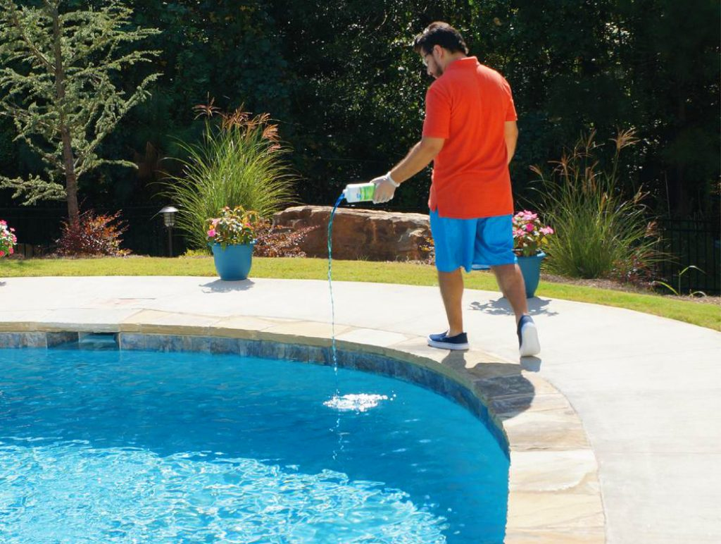 5 Best Pool Algaecides - Easy Problem Solution