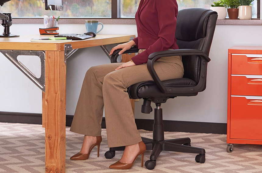 7 Comfiest Office Chairs under $300 – High Quality at a Reasonable Price