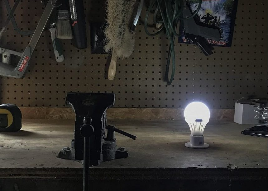 10 Best Battery-Powered Lights - No Need to Pay for Expensive Electricity!