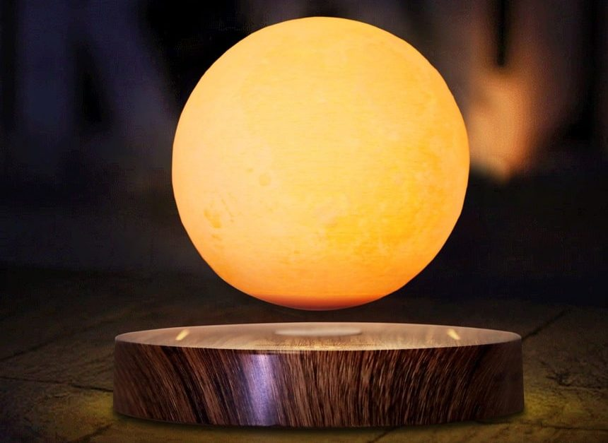 5 Best Moon Lamps to Bring That Cosmic Atmosphere to Your Home