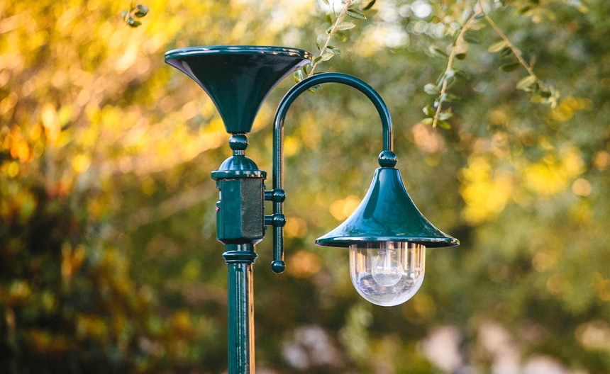 12 Best Solar Lamp Posts for Sophisticated Decor and Efficiency