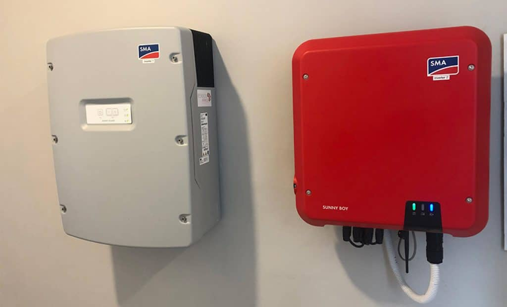 8 Best Solar Inverters – Use the Power of the Sun!