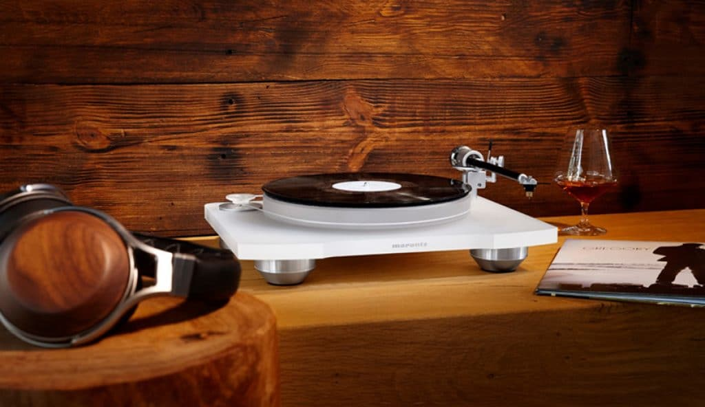 5 Wonderful Turntables Under 2000 Dollars for True Audiophiles