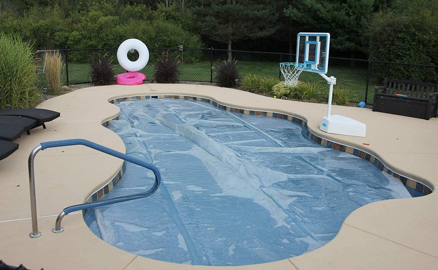 8 Top-of-the-Range Solar Pool Covers to Keep the Water in Your Pool Warm