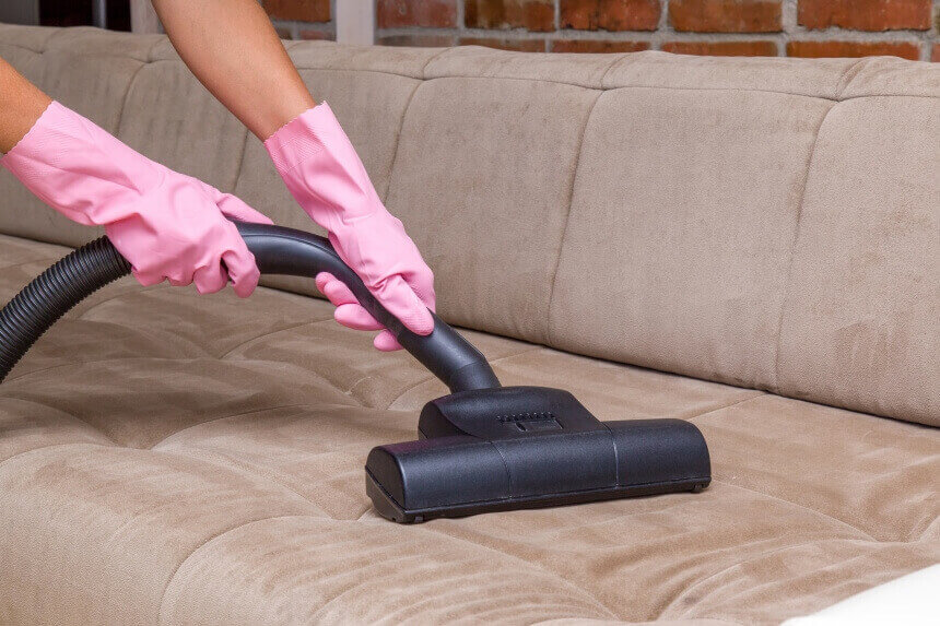 How to Clean Polyester Couches: Tips for Regular Maintenance and Stubborn Stains
