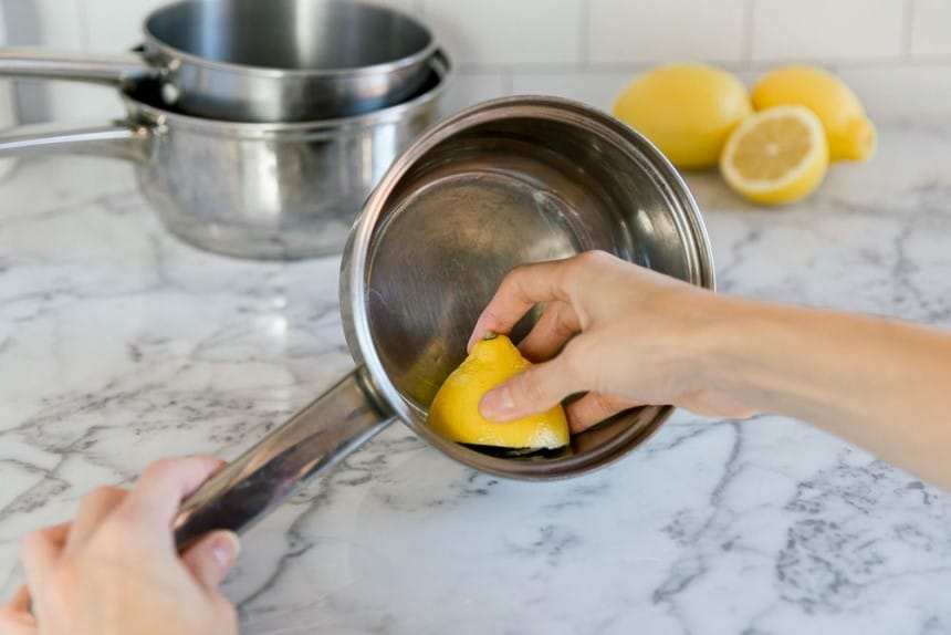 How to Clean Bottom of Pans and Pots: Different Ways Explained