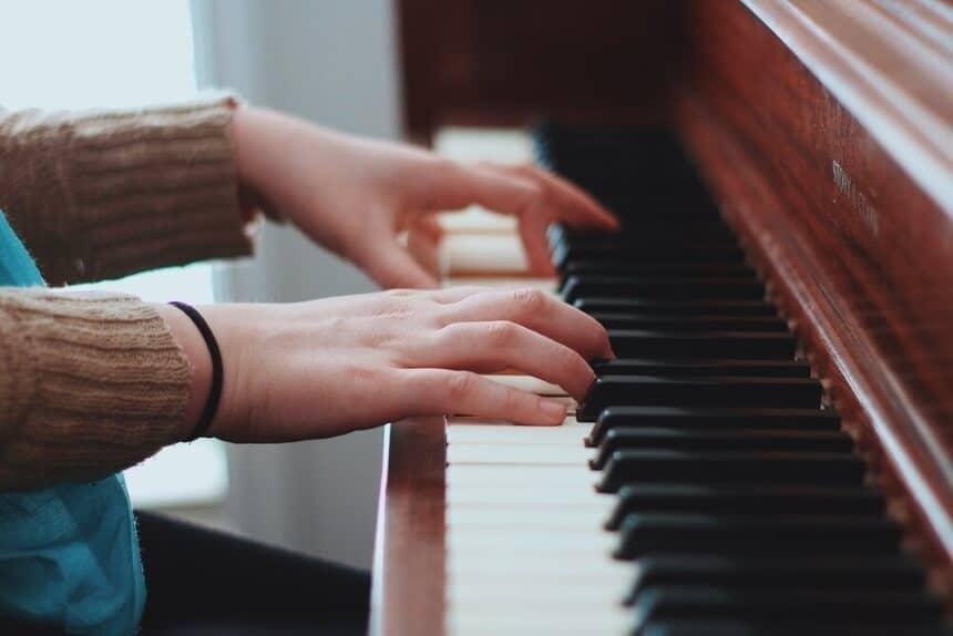 How to Clean Piano Keys: Step-by-Step Guide