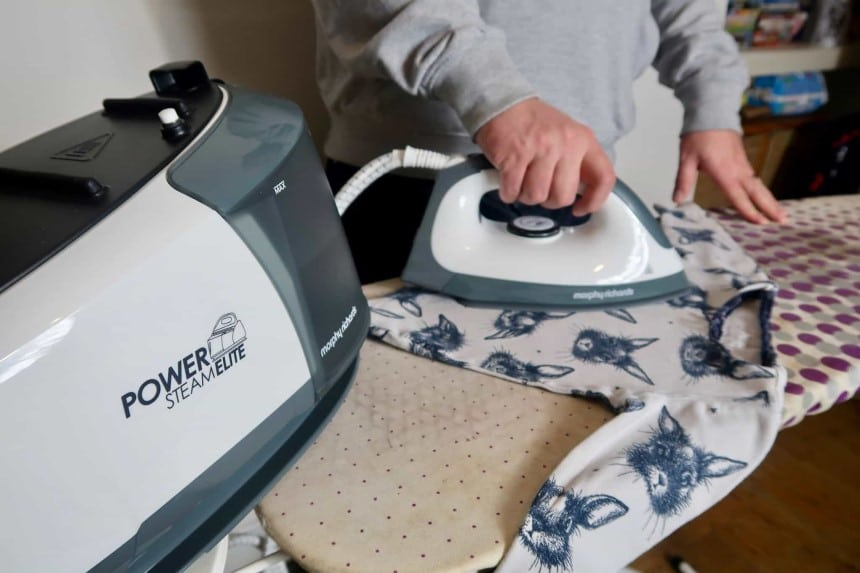 How to Descale a Steam Generator Iron?