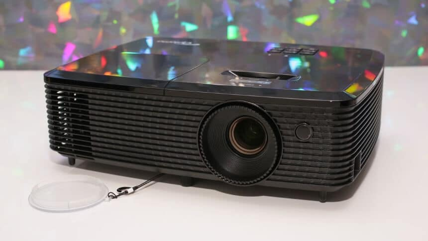 How to Watch TV on a Projector With and Without Cables