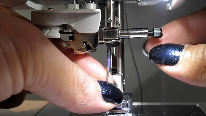How to Change a Sewing Machine Needle in Four Easy Steps
