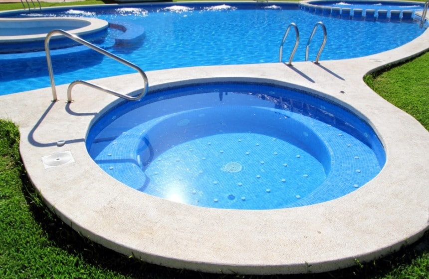 How to Lower Chlorine Levels in a Pool