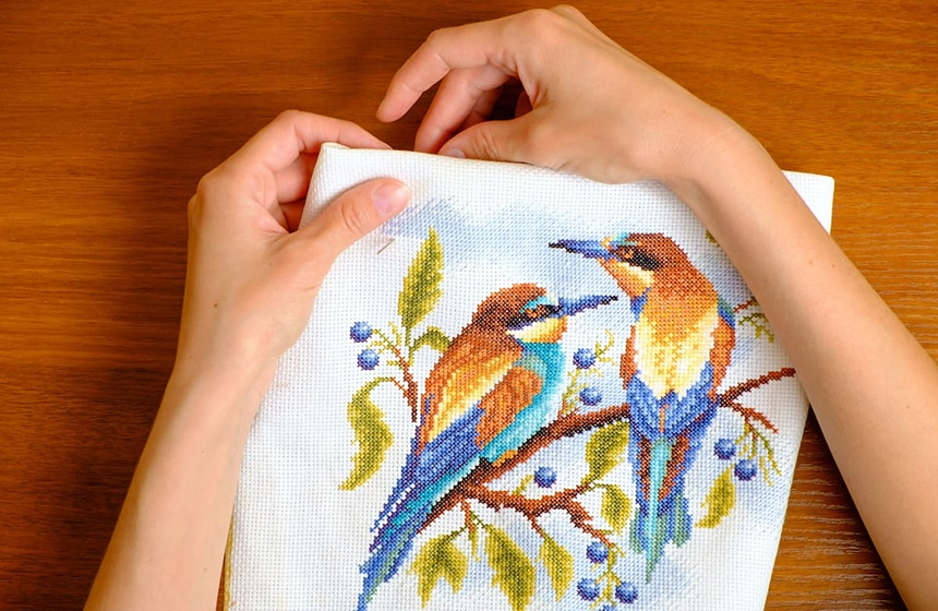 Cross Stitch vs Embroidery: The Difference Explained