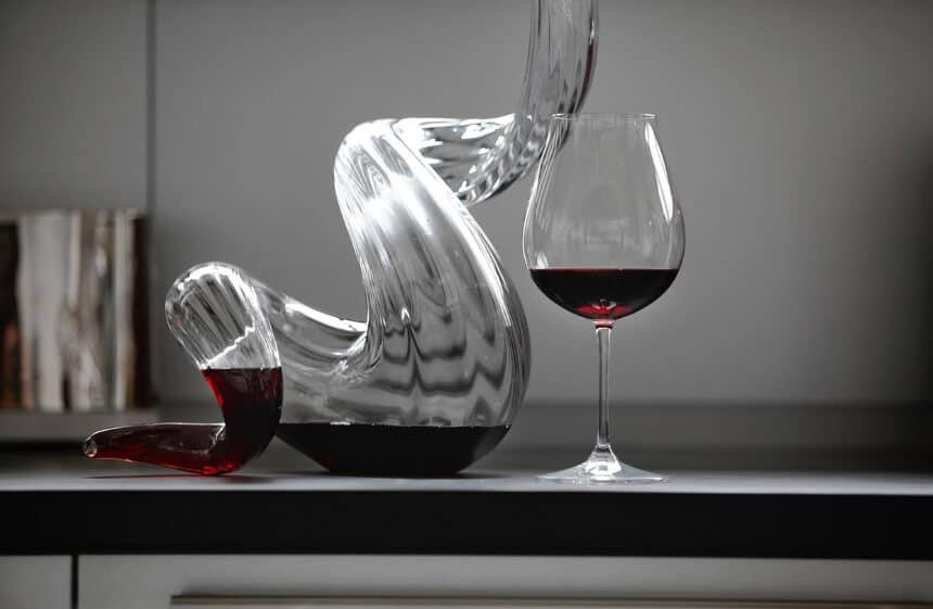 How To Clean A Wine Decanter in 6 Steps