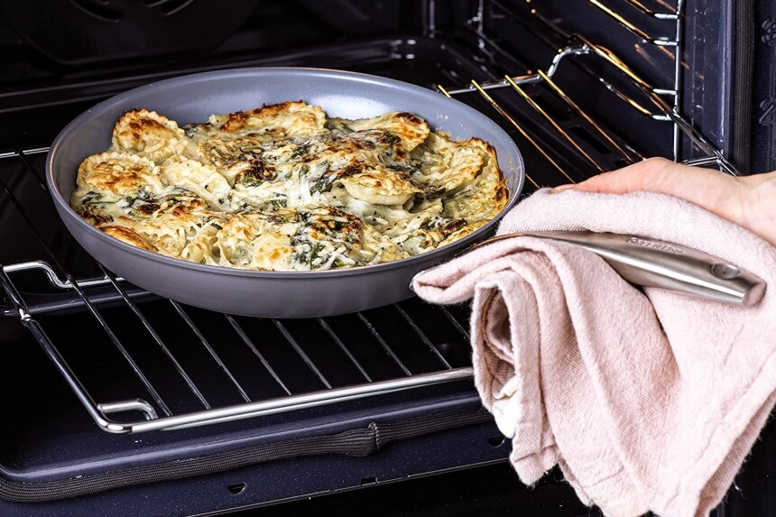 7 Best Non-Stick Pans Without Teflon for Health-Conscious People