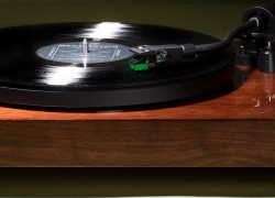 6 Best Automatic Turntables to Get in 2019 – Keep Your Records Safe