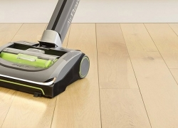 6 Greatest Shark Vacuums — Reviews and Buying Guide