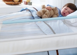 5 Awesome Toddler Bed Rails — Your Little One Will Sleep Safe and Sound