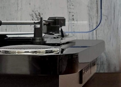 Top 5 Bluetooth Turntables – The Best Way to Wireless Vinyl
