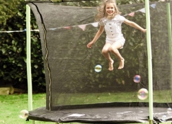 4 Best 8ft Trampolines – Fun for Kids And Adults