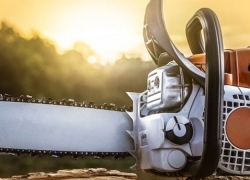 7 Finest Professional Chainsaws – Every Project Brought To Success