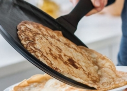 8 Outstanding Crepe Pans for Your Most Delicate Viands