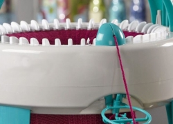 6 Best Knitting Machines – Knit Faster and Better!